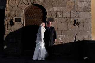 First look on the Ponte Vecchio Tuscany New Years Wedding In Florence Best wedding locations in Firenze