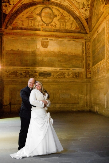 Wedding Photos in a museum New Years Wedding In Florence Best wedding locations in Firenze