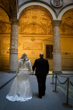 Wedding Portraits in a museum New Years Wedding In Florence Best wedding locations in Firenze