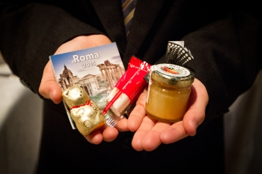 Best travel themed wedding favors New Years Wedding In Florence Best wedding locations in Firenze