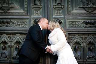 Wedding Photos with the Duomo New Years Wedding In Florence Best wedding locations in Firenze