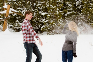 Fun snow engagement photo ideas for a winter wedding Snowy Swan Mountain Colorado engagement photo session