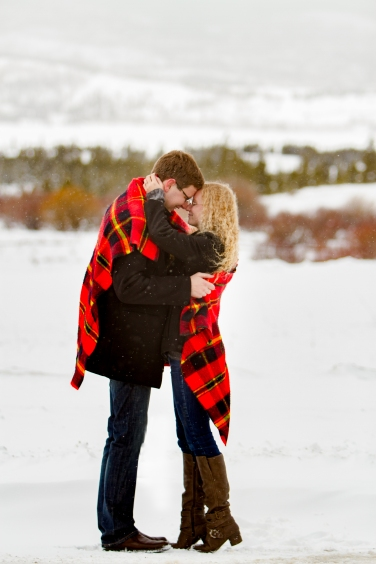 Ideas for a Snowy Swan Mountain Colorado engagement photo session