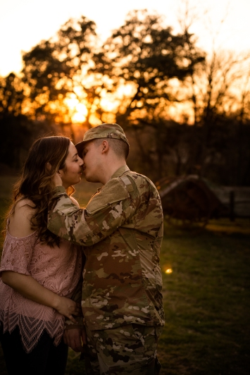 elizabeth-birdsong-photography-austin-engagement-photography-old-settlers-park-23