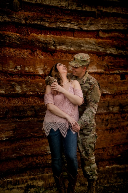 elizabeth-birdsong-photography-austin-engagement-photography-old-settlers-park-25