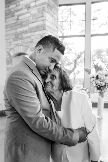@PhotographerAmy Austin Wedding Photographer Canyonwood Ridge Wedding Photos-67