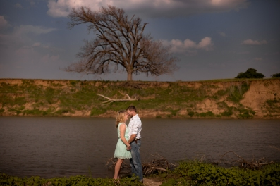 @PhotographerAmy Elizabeth Birdsong Photography Texas Engagement Ideas-13