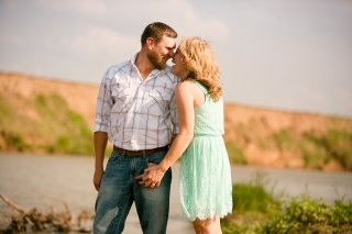 @PhotographerAmy Elizabeth Birdsong Photography Texas Engagement Ideas-17