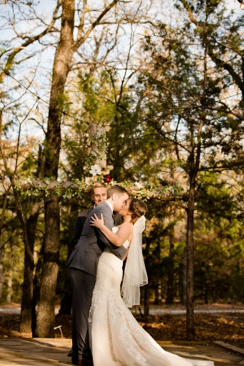 @PhotographerAmy Elizabeth Birdsong Photography Oak Meadow Ranch Wedding Photos-59