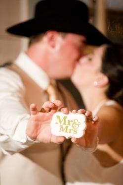 @PhotographerAmy Elizabeth Birdsong Photography Twin Sisters Dance Hall Wedding Photos-64