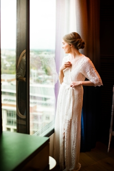 BLHDN Bridal Robe Rainey Street Austin Wedding at Hotel Van Zandt Made with Magmod