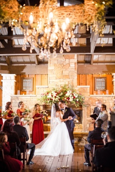 @PhotographerAmy Elizabeth Birdsong Photography Kindred Oaks Wedding Photos-61