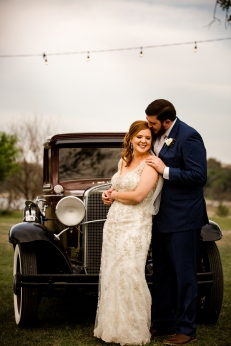Photographer Amy Elizabeth Birdsong Photography Blissful Hill Central Texas Wedding Photos-102