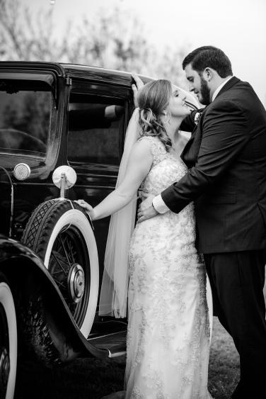 Photographer Amy Elizabeth Birdsong Photography Blissful Hill Central Texas Wedding Photos-104