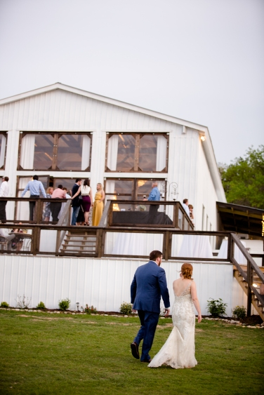 Photographer Amy Elizabeth Birdsong Photography Blissful Hill Central Texas Wedding Photos-125