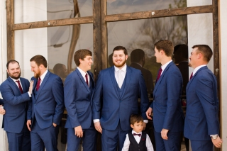 Photographer Amy Elizabeth Birdsong Photography Blissful Hill Central Texas Wedding Photos-31