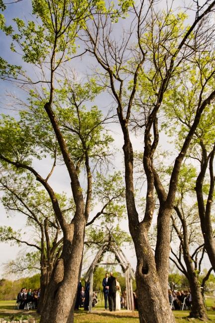 Photographer Amy Elizabeth Birdsong Photography Blissful Hill Central Texas Wedding Photos-65