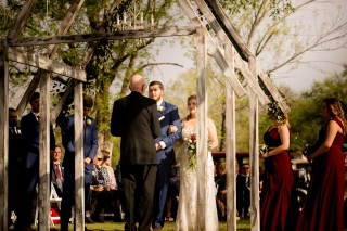 Photographer Amy Elizabeth Birdsong Photography Blissful Hill Central Texas Wedding Photos-66