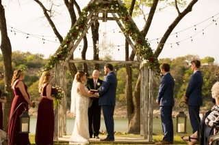 Photographer Amy Elizabeth Birdsong Photography Blissful Hill Central Texas Wedding Photos-68