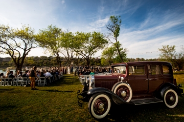 Photographer Amy Elizabeth Birdsong Photography Blissful Hill Central Texas Wedding Photos-70