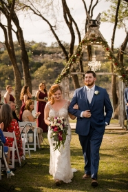 Photographer Amy Elizabeth Birdsong Photography Blissful Hill Central Texas Wedding Photos-74