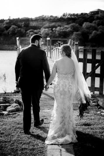 Photographer Amy Elizabeth Birdsong Photography Blissful Hill Central Texas Wedding Photos-82