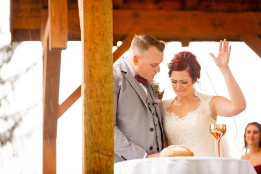 Photographer Amy Elizabeth Birdsong Photography Meadow Ridge Events Windsor Ohio Wedding -107