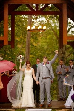 Photographer Amy Elizabeth Birdsong Photography Meadow Ridge Events Windsor Ohio Wedding -114