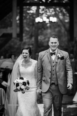Photographer Amy Elizabeth Birdsong Photography Meadow Ridge Events Windsor Ohio Wedding -116