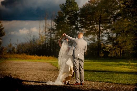 Photographer Amy Elizabeth Birdsong Photography Meadow Ridge Events Windsor Ohio Wedding -136