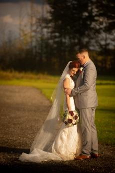 Photographer Amy Elizabeth Birdsong Photography Meadow Ridge Events Windsor Ohio Wedding -137
