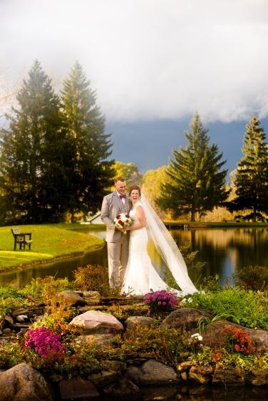 Photographer Amy Elizabeth Birdsong Photography Meadow Ridge Events Windsor Ohio Wedding -142