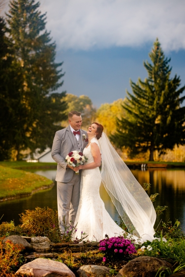 Photographer Amy Elizabeth Birdsong Photography Meadow Ridge Events Windsor Ohio Wedding -143