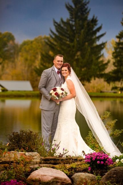 Photographer Amy Elizabeth Birdsong Photography Meadow Ridge Events Windsor Ohio Wedding -144