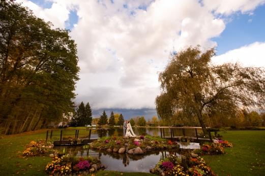 Photographer Amy Elizabeth Birdsong Photography Meadow Ridge Events Windsor Ohio Wedding -148