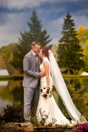 Photographer Amy Elizabeth Birdsong Photography Meadow Ridge Events Windsor Ohio Wedding -150