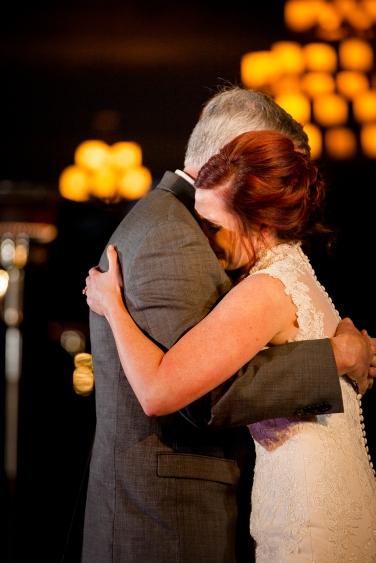 Photographer Amy Elizabeth Birdsong Photography Meadow Ridge Events Windsor Ohio Wedding -192