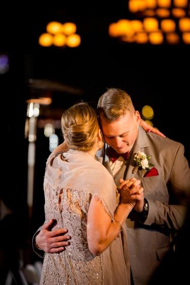 Photographer Amy Elizabeth Birdsong Photography Meadow Ridge Events Windsor Ohio Wedding -193