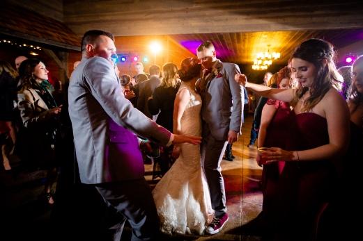 Photographer Amy Elizabeth Birdsong Photography Meadow Ridge Events Windsor Ohio Wedding -205