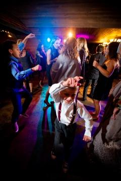 Photographer Amy Elizabeth Birdsong Photography Meadow Ridge Events Windsor Ohio Wedding -209