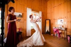 Photographer Amy Elizabeth Birdsong Photography Meadow Ridge Events Windsor Ohio Wedding -37