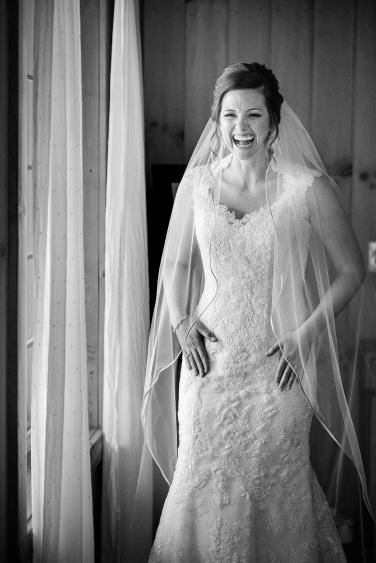Photographer Amy Elizabeth Birdsong Photography Meadow Ridge Events Windsor Ohio Wedding -65