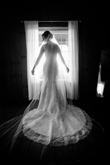 Photographer Amy Elizabeth Birdsong Photography Meadow Ridge Events Windsor Ohio Wedding -68