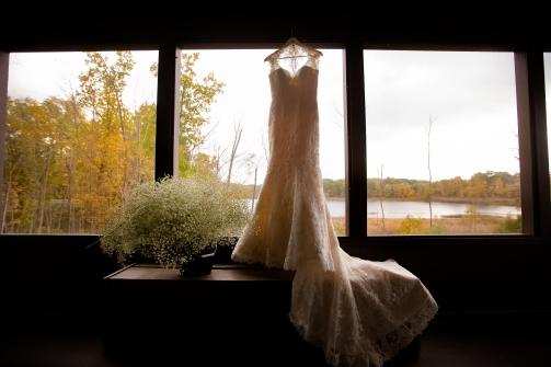 Photographer Amy Elizabeth Birdsong Photography Meadow Ridge Events Windsor Ohio Wedding -8