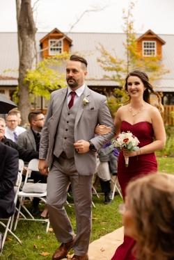 Photographer Amy Elizabeth Birdsong Photography Meadow Ridge Events Windsor Ohio Wedding -85