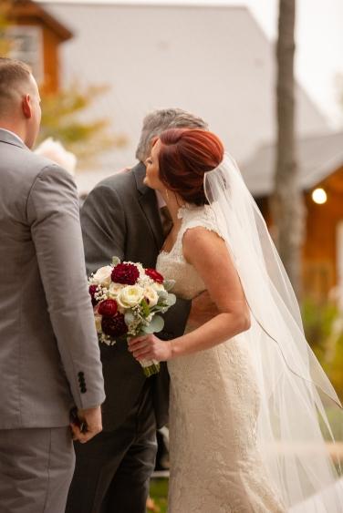Photographer Amy Elizabeth Birdsong Photography Meadow Ridge Events Windsor Ohio Wedding -96