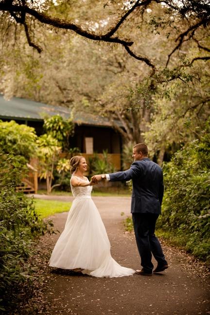 photographer amy elizabeth birdsong photography tree tops park wedding photos florida -39