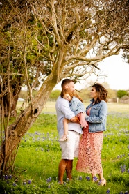 @ Photographer Amy Elizabeth Birdsong Photography Texas Bluebonnet family portrait location photographer-10