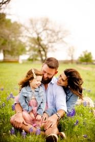 @ Photographer Amy Elizabeth Birdsong Photography Texas Bluebonnet family portrait location photographer-11