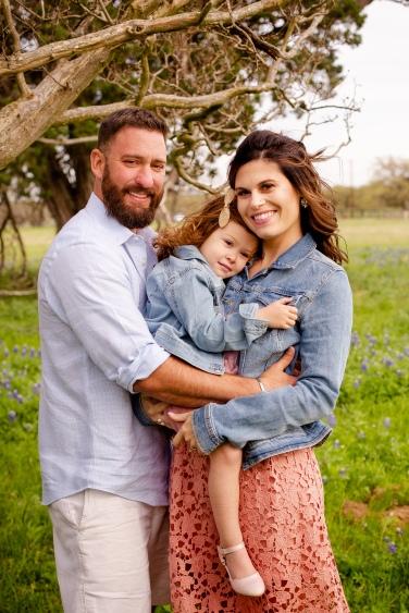 @ Photographer Amy Elizabeth Birdsong Photography Texas Bluebonnet family portrait location photographer-19